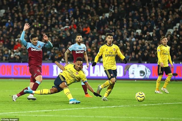West Ham 1-3 Arsenal: 10 phút bùng nổ, ngược dòng ngoạn mục! - Ảnh 3.
