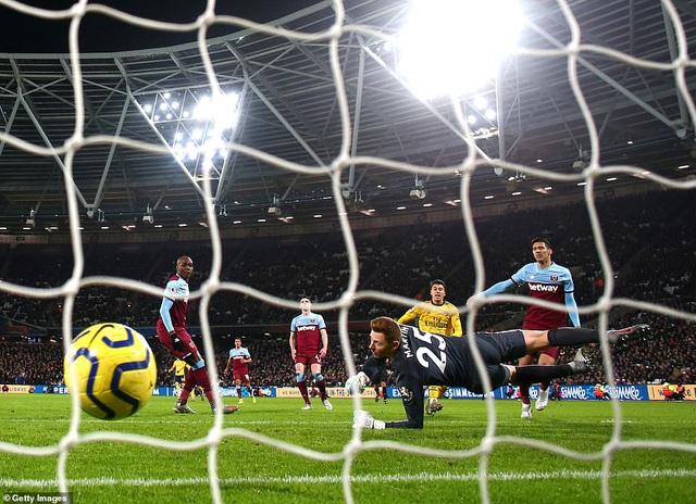 West Ham 1-3 Arsenal: 10 phút bùng nổ, ngược dòng ngoạn mục! - Ảnh 1.
