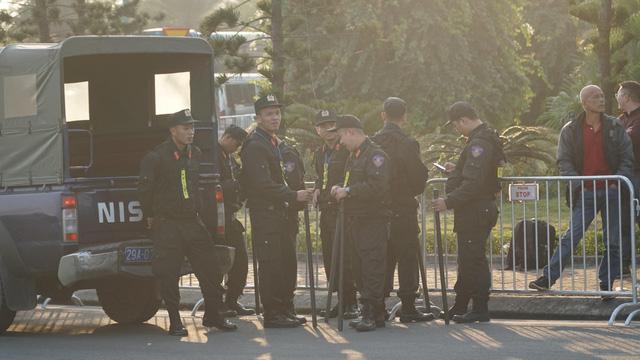 An ninh thắt chặt tại sân bay Nội Bài chờ đón ĐT bóng đá nữ và U22 Việt Nam - Ảnh 8.
