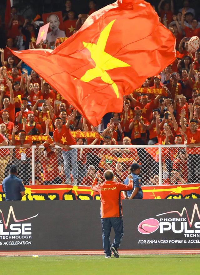 Những hình ảnh không thể nào quên trong lần đầu tiên bóng đá nam Việt Nam lên đỉnh SEA Games - Ảnh 10.