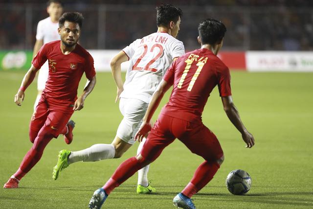Những hình ảnh không thể nào quên trong lần đầu tiên bóng đá nam Việt Nam lên đỉnh SEA Games - Ảnh 1.