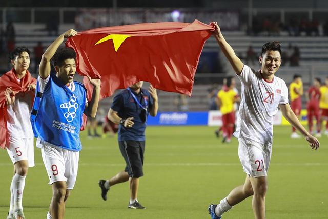 Những hình ảnh không thể nào quên trong lần đầu tiên bóng đá nam Việt Nam lên đỉnh SEA Games - Ảnh 6.
