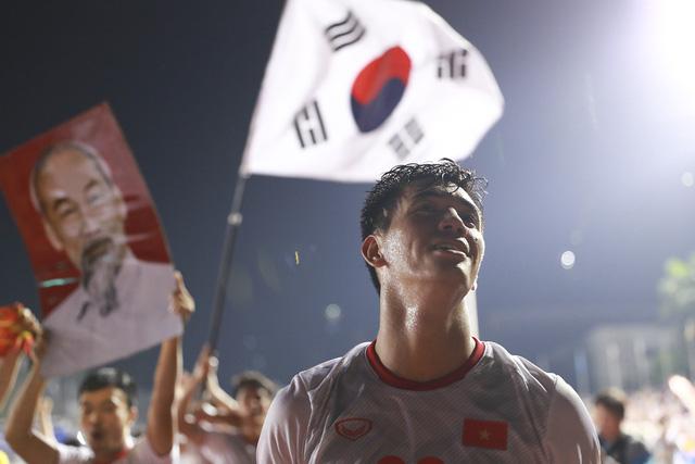 Những hình ảnh không thể nào quên trong lần đầu tiên bóng đá nam Việt Nam lên đỉnh SEA Games - Ảnh 7.