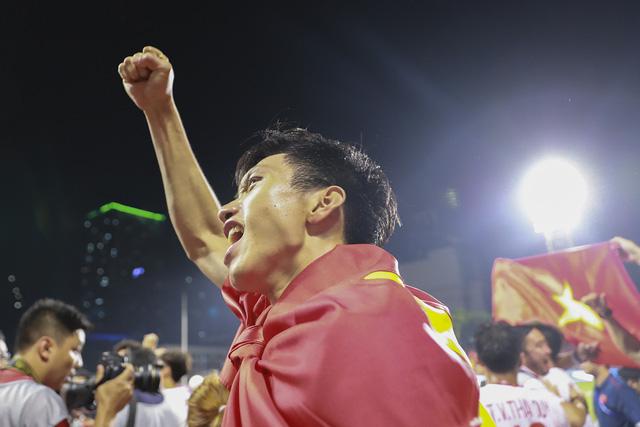 Những hình ảnh không thể nào quên trong lần đầu tiên bóng đá nam Việt Nam lên đỉnh SEA Games - Ảnh 8.