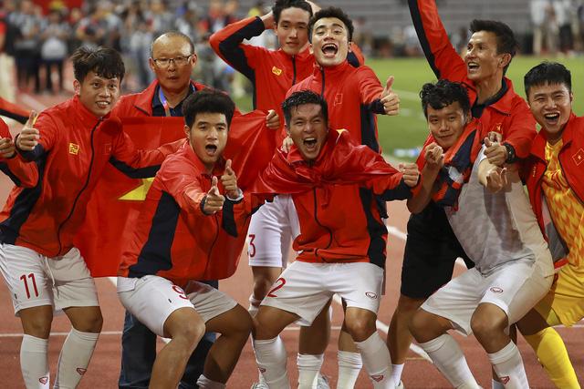 Những hình ảnh không thể nào quên trong lần đầu tiên bóng đá nam Việt Nam lên đỉnh SEA Games - Ảnh 9.