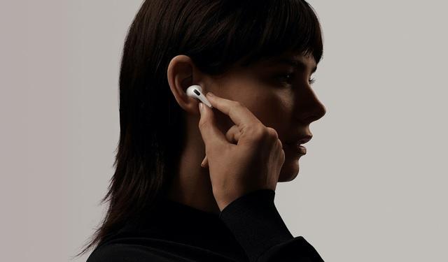 Doanh số bán Apple Watch, AirPods và tai nghe Beats tăng gần 200% - Ảnh 2.