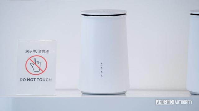 Oppo trình diễn kính AR, camera ẩn dưới màn hình và sắp ra mắt smartwatch - Ảnh 2.