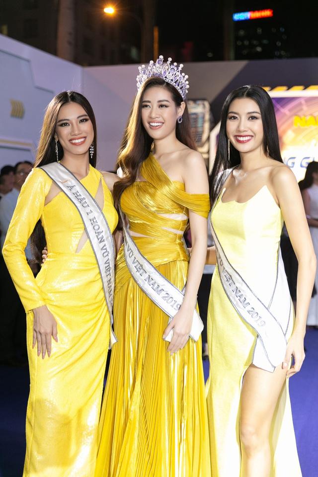 Top 3 Hoa hậu Hoàn vũ Việt Nam 2019 hội ngộ HHen Niê, Hoàng Thùy - Ảnh 2.