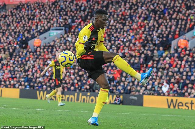 Vòng 17 Ngoại hạng Anh: Thắng nhàn Watford, Liverpool nối dài mạch bất bại - Ảnh 1.