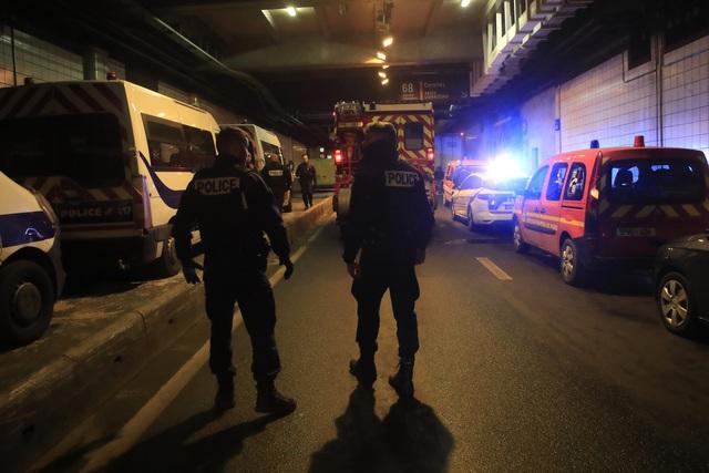 Tiêu diệt đối tượng tấn công bằng dao tại Pháp - Ảnh 1.