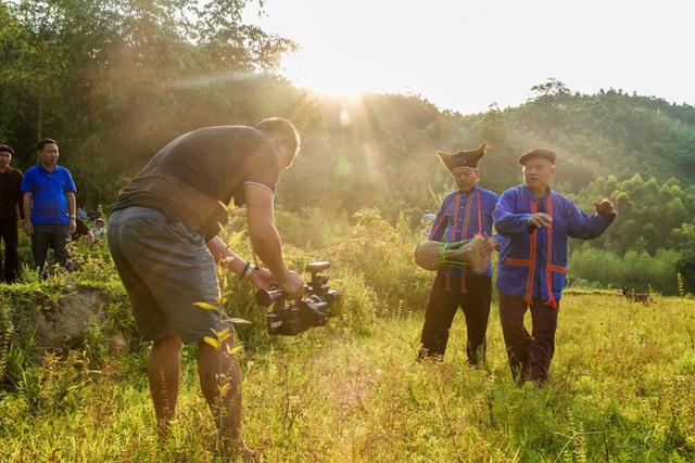10 tác phẩm đạt giải cuộc thi ảnh Những người làm truyền hình tại LHTHTQ lần thứ 39 - Ảnh 3.