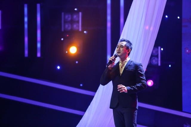 Mang bản hit từng sáng tác cho Đàm Vĩnh Hưng, bác sĩ Minh Đức khiến khán giả lụi tim - Ảnh 1.