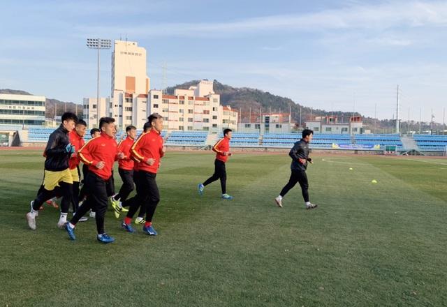 ĐT U23 Việt Nam bước vào buổi tập đầu tiên tại Hàn Quốc - Ảnh 2.