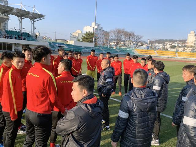 ĐT U23 Việt Nam bước vào buổi tập đầu tiên tại Hàn Quốc - Ảnh 6.