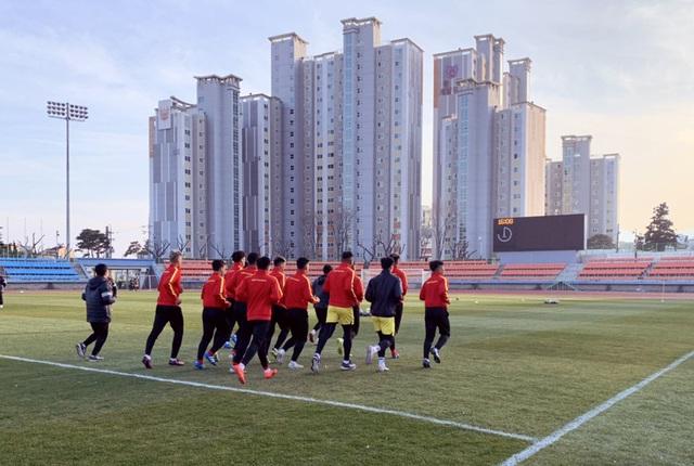 ĐT U23 Việt Nam bước vào buổi tập đầu tiên tại Hàn Quốc - Ảnh 7.