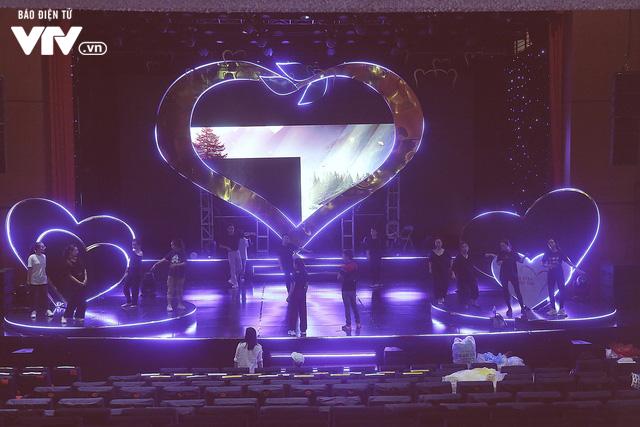 Gala Trái tim cho em: Những hình ảnh mới nhất trước giờ G - Ảnh 1.