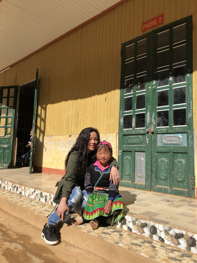 NSƯT Tố Nga đem mùa đông ấm đến trẻ em vùng cao Mù Cang Chải - Ảnh 3.