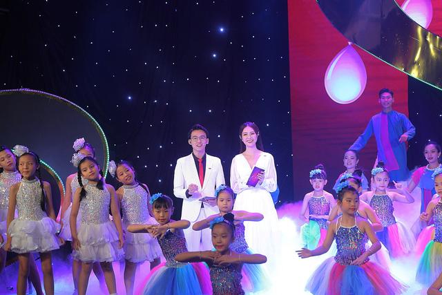 Những khoảnh khắc khó quên của Gala Trái tim cho em 2019 - Ảnh 14.