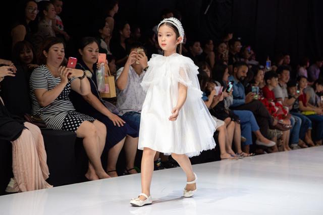 Chương trình thời trang trẻ em Junior Fashion Runway 5: Sôi động và hấp dẫn - Ảnh 4.