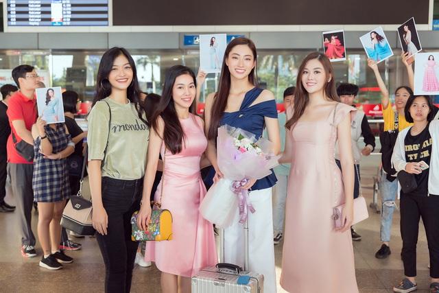 Lương Thùy Linh đẹp rạng ngời trở về nước sau khi lọt Top 12 Miss World - Ảnh 5.