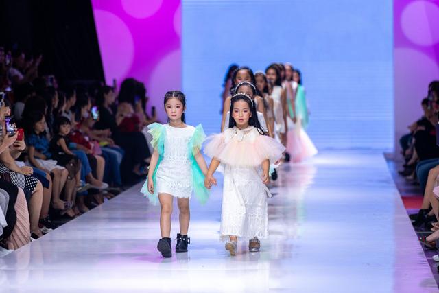 Chương trình thời trang trẻ em Junior Fashion Runway 5: Sôi động và hấp dẫn - Ảnh 2.