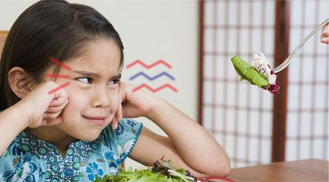 Những thói quen tưởng vô hại nhưng là nguyên nhân gây táo bón ở trẻ - Ảnh 1.