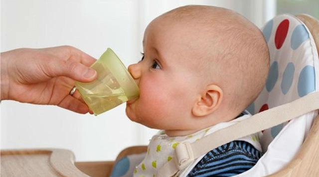 Những thói quen tưởng vô hại nhưng là nguyên nhân gây táo bón ở trẻ - Ảnh 4.