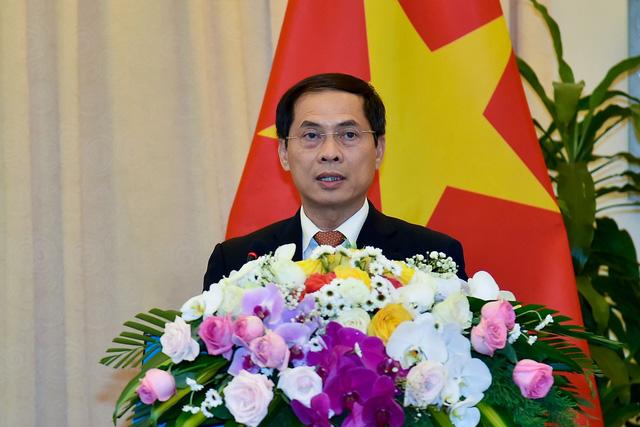 Công bố biểu tượng kỷ niệm 25 năm thiết lập quan hệ ngoại giao Việt Nam - Hoa Kỳ - Ảnh 4.