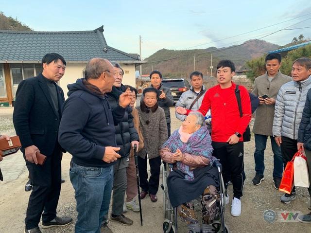 Xúc động ngày HLV Park Hang Seo về thăm mẹ tại quê nhà Hàn Quốc - Ảnh 3.