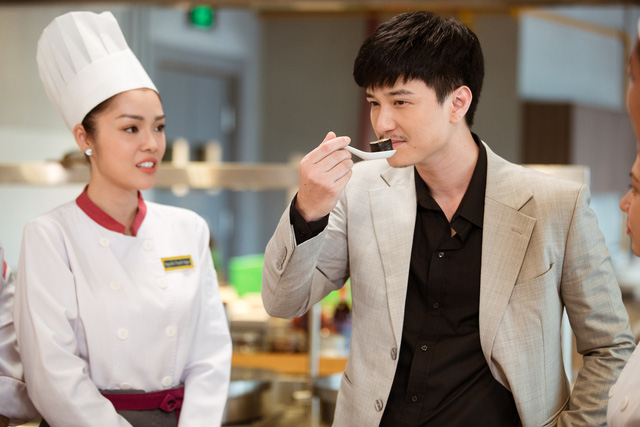 Bị chê quá lệch tuổi với Huỳnh Anh trong Tiệm ăn dì ghẻ, Dương Cẩm Lynh nói gì? - Ảnh 6.