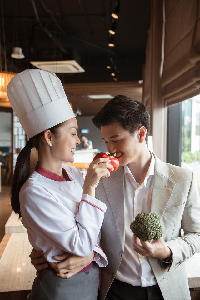 Bị chê quá lệch tuổi với Huỳnh Anh trong Tiệm ăn dì ghẻ, Dương Cẩm Lynh nói gì? - Ảnh 2.