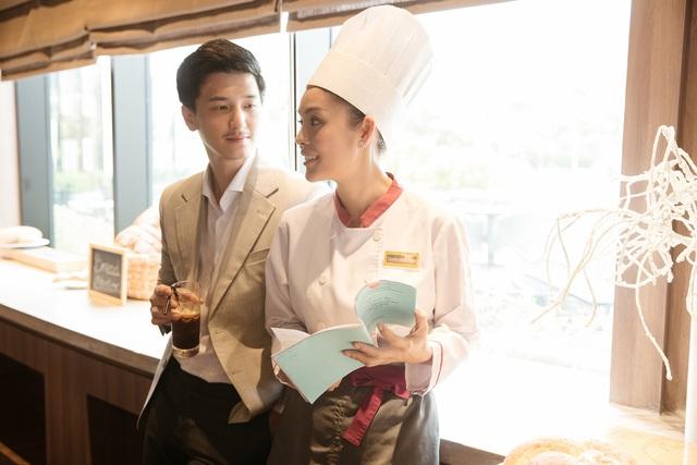 Bị chê quá lệch tuổi với Huỳnh Anh trong Tiệm ăn dì ghẻ, Dương Cẩm Lynh nói gì? - Ảnh 1.