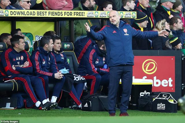 Norwich 2-2 Arsenal: Màn ra mắt chưa trọn vẹn của HLV Ljungberg - Ảnh 2.