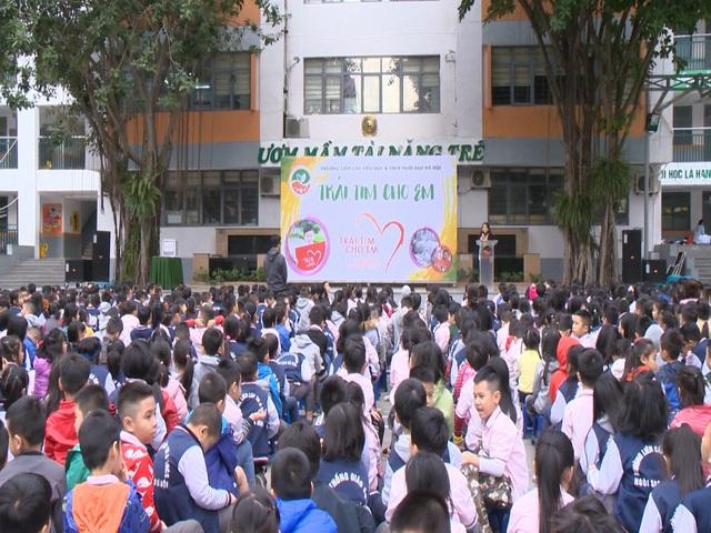 2.500 học sinh Trường liên cấp Ngôi Sao Hà Nội chung tay ủng hộ bệnh nhi tim bẩm sinh - Ảnh 1.