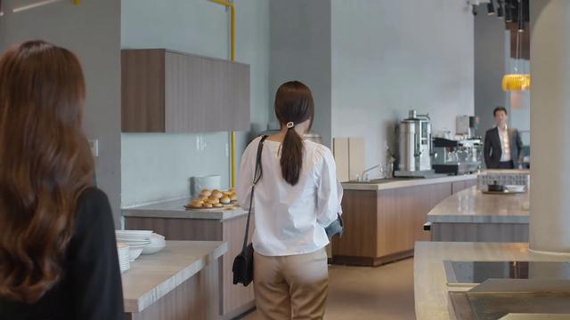 Tiệm ăn dì ghẻ - Tập 5: Được Thắng chi 50 triệu cứu chồng cũ, Ngọc nhận lời về làm đầu bếp cho anh - Ảnh 2.