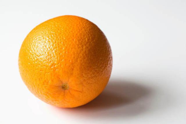 Mách bạn mẹo gọt, bổ và ăn trái cây đúng cách - Ảnh 1.