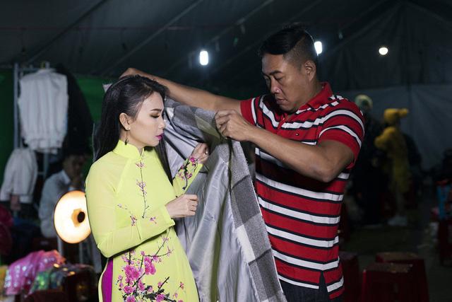 Vừa xuất viện, Cẩm Ly đội rét đi diễn Festival Hoa Đà Lạt 2019 - Ảnh 5.
