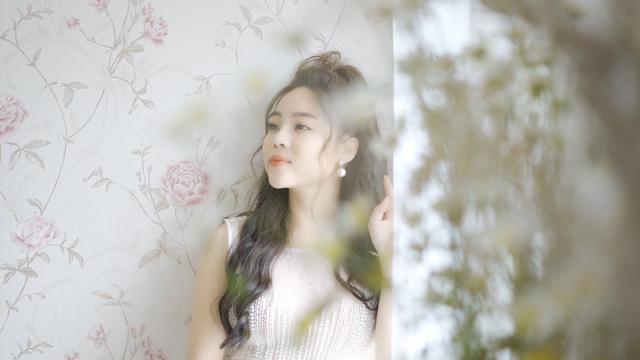 """Sao mai Mai Diệu Ly ra mắt MV """"Nhớ mùa Noel"""" nồng nàn yêu thương - Ảnh 2."""