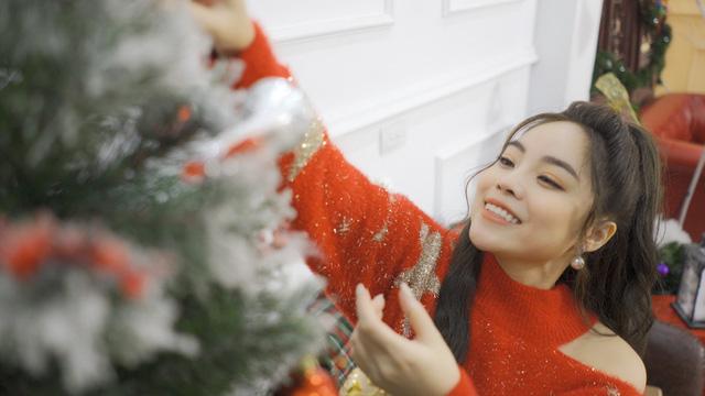 """Sao mai Mai Diệu Ly ra mắt MV """"Nhớ mùa Noel"""" nồng nàn yêu thương - Ảnh 10."""