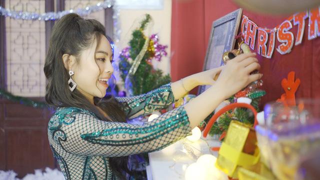 """Sao mai Mai Diệu Ly ra mắt MV """"Nhớ mùa Noel"""" nồng nàn yêu thương - Ảnh 9."""