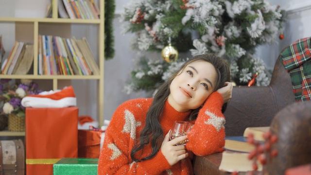 """Sao mai Mai Diệu Ly ra mắt MV """"Nhớ mùa Noel"""" nồng nàn yêu thương - Ảnh 8."""