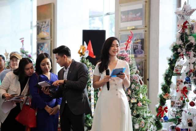 Rực rỡ sắc màu Giáng sinh tại Đài Truyền hình Việt Nam - Ảnh 6.