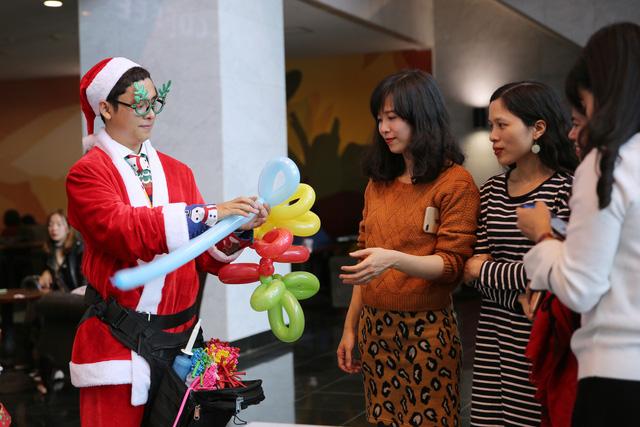 Rực rỡ sắc màu Giáng sinh tại Đài Truyền hình Việt Nam - Ảnh 19.