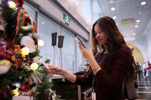 Rực rỡ sắc màu Giáng sinh tại Đài Truyền hình Việt Nam - Ảnh 1.
