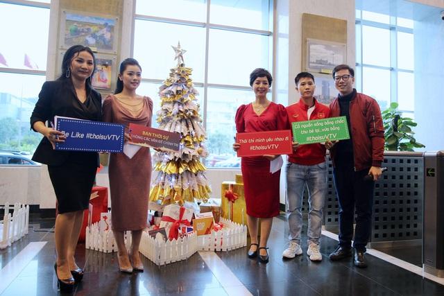 Rực rỡ sắc màu Giáng sinh tại Đài Truyền hình Việt Nam - Ảnh 10.