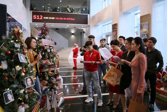 Rực rỡ sắc màu Giáng sinh tại Đài Truyền hình Việt Nam - Ảnh 18.