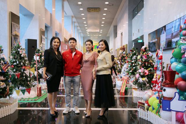 Rực rỡ sắc màu Giáng sinh tại Đài Truyền hình Việt Nam - Ảnh 9.