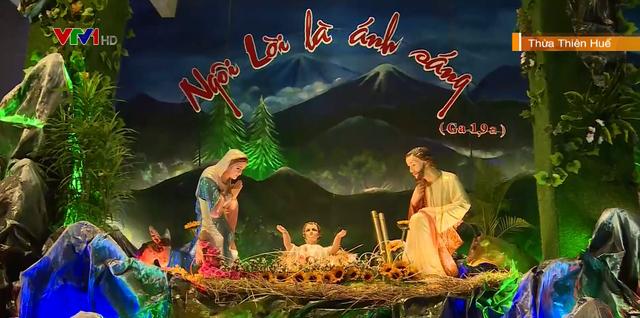 Rộn ràng đêm Giáng sinh trên cả nước - Ảnh 1.