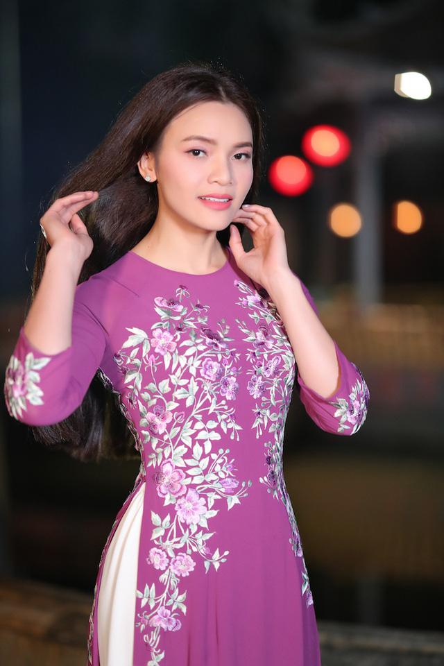 Phạm Phương Thảo diện áo dài hơn 10.000 USD quay phim ca nhạc Mong manh em - Ảnh 12.
