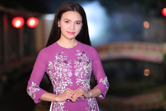 Phạm Phương Thảo diện áo dài hơn 10.000 USD quay phim ca nhạc Mong manh em - Ảnh 11.